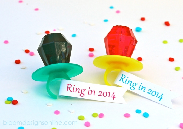 new year rings