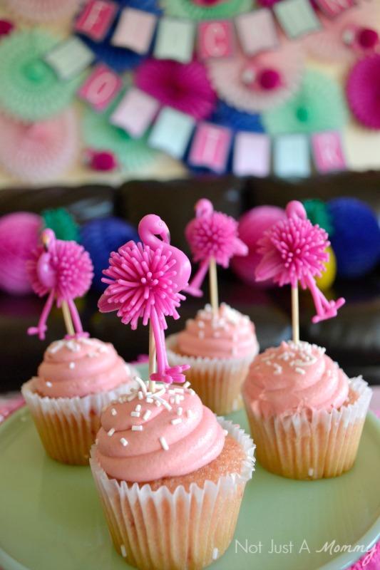 Flamingo + Pineapple Party cupcakes