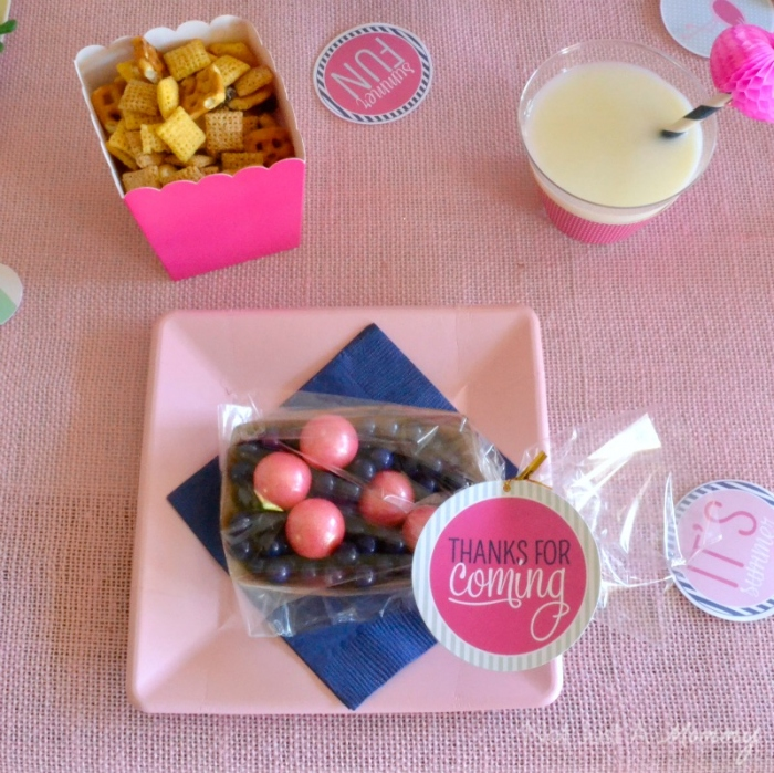 Flamingo + Pineapple Party placesetting