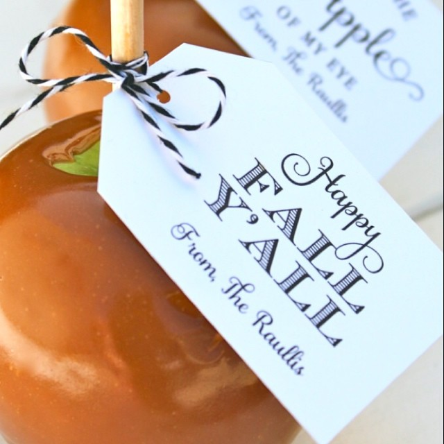 Happy Fall Y'All. Today's the start of my favorite season. Celebrating with a caramel apple. Free tags on our blog. Direct link in profile #fall #apple #freeprintable #caramel