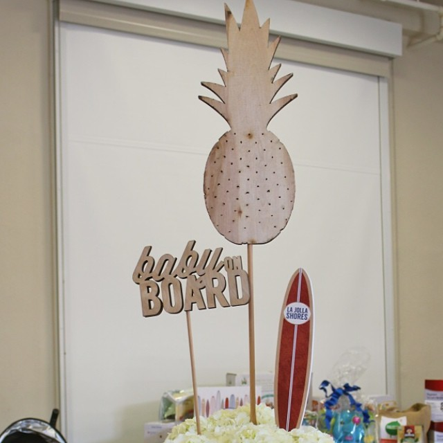 How amazing is the pineapple from @ten23designs?  It was the focal point of my table. Come see each designers take on this surfs up theme in our blog today @whimsyandwise @paperandcake @sweetsindeed #pepsi #ossurfsup @madebyaprincess @amberlay #operationshower
