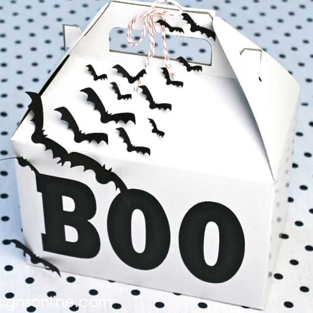 Are you ready for boo season. The Raullis are. This is one of my favorite traditions of the year. Come see how we put together these boo boxes. Link in profile #halloween #boo #booing #goodtimes