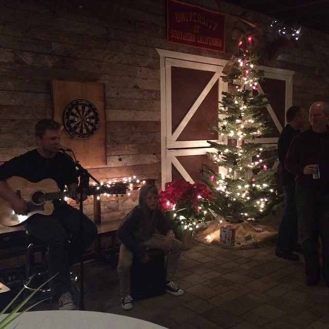 Cozy country Christmas party in the barn. #countryChristmas  #tistheseason