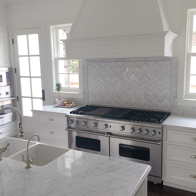 Just finished putting in the backsplash in our kitchen. Took me a while to find something I loved. #worththewait #remodel #kitchen #raulliranch #building #decorating